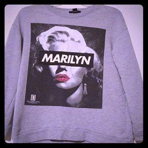 Medium size Marilyn Monroe sweater
